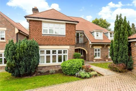 Chipstead Way, Banstead, Surrey, SM7. 5 bedroom detached house for sale