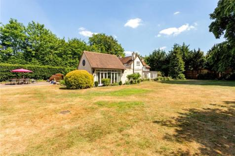 London Road, Hartley Wintney, Hook, RG27. 5 bedroom detached house for sale