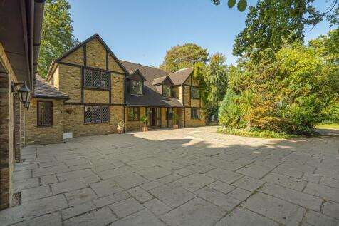 Sunningdale, Berkshire, SL5. 5 bedroom detached house for sale