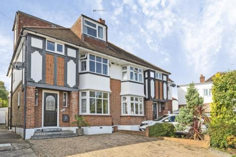 Surbiton, Surrey, KT5. 4 bedroom semi-detached house