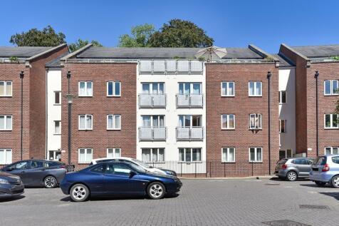 Manor Park, Headington, OX3. 2 bedroom apartment