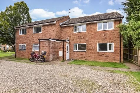 Sycamore Road, High Wycombe, HP12. 2 bedroom maisonette
