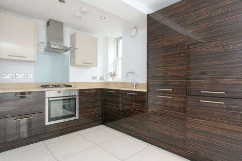 Twickenham, Middlesex, TW1. 2 bedroom apartment