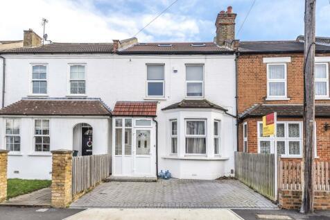 Ellerton Road, Surbiton, KT6. 4 bedroom terraced house