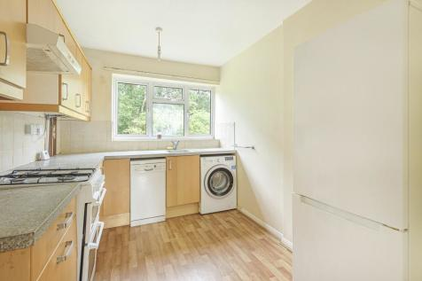 Surbiton, Kingston upon Thames, KT6. 3 bedroom apartment