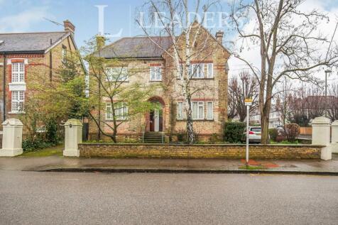 Hayne Road, Beckenham, BR3. 3 bedroom maisonette
