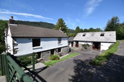 Ty Canol Farm, Cynonville, Port Talbot. 7 bedroom smallholding