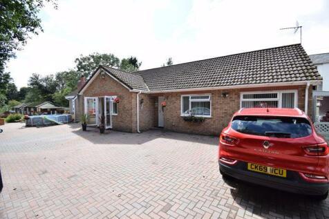 2 Glan Yr Afon, Pontypridd CF37 3DR. 3 bedroom detached bungalow for sale