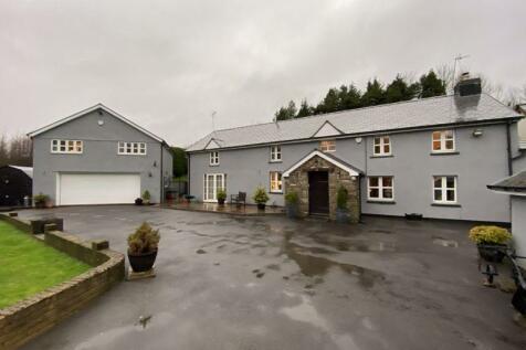 Pant Glas Farm, Cae Pantglas, CF72 8GX. 5 bedroom detached house for sale
