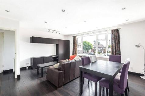 Park House, Winchmore Hill Road, London, N21. 2 bedroom flat