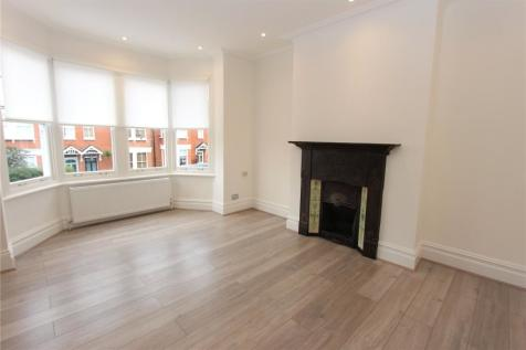 Eaton Park Road, Palmers Green, London, N13. 1 bedroom flat