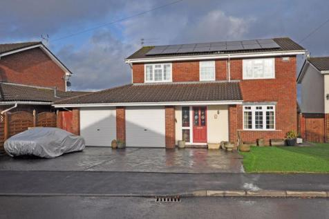 Extended Family House, Soane Close, Newport. 4 bedroom detached house for sale