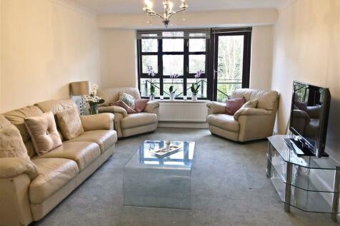 Woodside Lane, London. 2 bedroom apartment