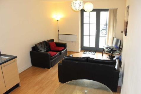 Home 2, Chapeltown Street. 2 bedroom apartment