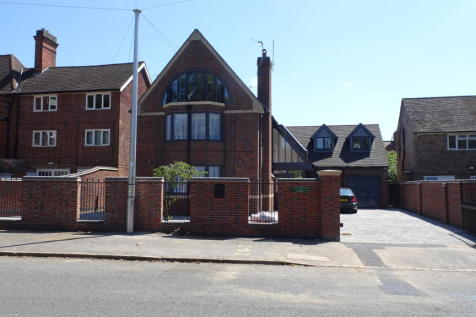 Knighton Road, Stoneygate, Leicester, LE2. 6 bedroom detached house