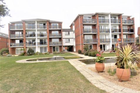 Sea Front, Hayling Island. 3 bedroom flat for sale