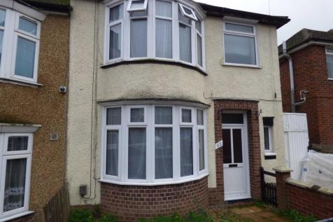 Milton Road, Luton. 3 bedroom terraced house