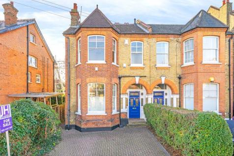 Compton Road, London. 4 bedroom semi-detached house for sale