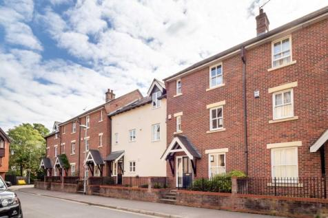 Recorder Road, NEAR TRAIN STATION, Norwich. 3 bedroom town house for sale