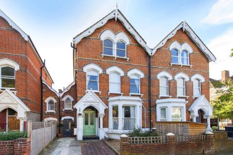Oakfield Road, Stroud Green, London. 4 bedroom terraced house for sale