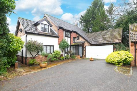 Forest Heights, Epping New Road, Buckhurst Hill, Essex, IG9 property