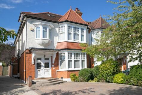 Monkhams Avenue, Woodford Green, IG8. 5 bedroom semi-detached house