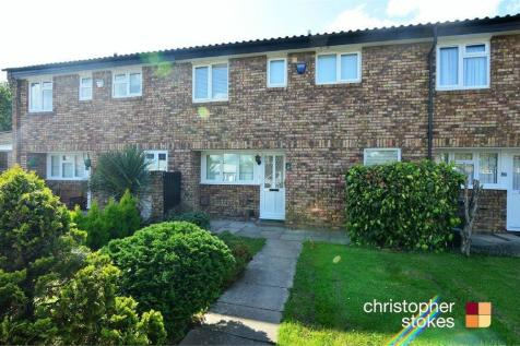 Cussons Close, West Cheshunt, Hertfordshire. 3 bedroom terraced house