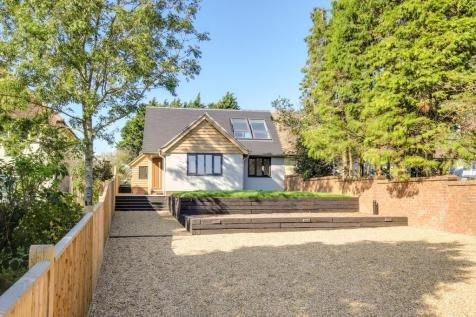 Shoreham-by-Sea. 3 bedroom chalet for sale