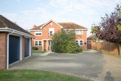 Spinnaker Grange, Hayling Island. 5 bedroom detached house for sale