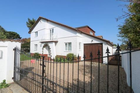 Southwood Road, Hayling Island. 5 bedroom detached house for sale