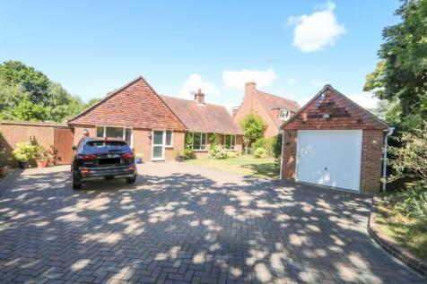 Sinah Lane, Hayling Island. 4 bedroom detached house for sale