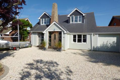North Shore Road, Hayling Island. 4 bedroom detached house for sale