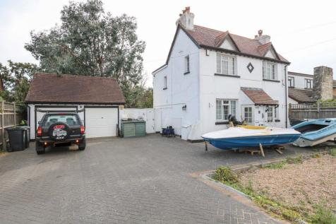 Seaview Road, Hayling Island. 4 bedroom detached house for sale