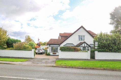 Havant Road, Hayling Island. 8 bedroom detached house for sale