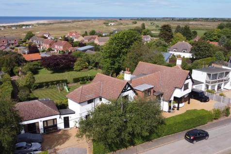Wodehouse Road, Old Hunstanton. 5 bedroom detached house