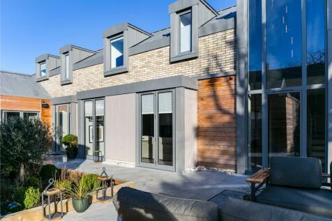 Barnes Avenue, Barnes, London, SW13. 5 bedroom detached house