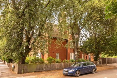 The Avenue, Chiswick, London, W4. 5 bedroom detached house