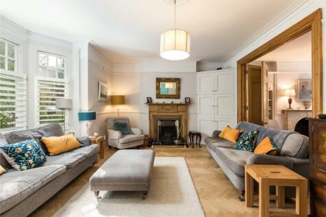 The Avenue, London, W4. 5 bedroom semi-detached house