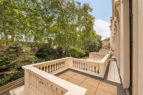 Hyde Park Square, Hyde Park, London, W2. 4 bedroom flat for sale