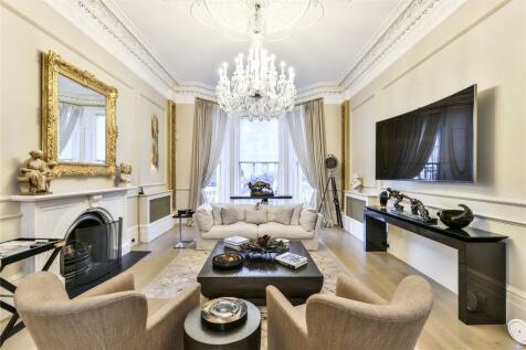 Holland Park, Holland Park, London, W11. 3 bedroom flat for sale