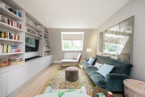 Elsham Road, Holland Park, London, W14. 4 bedroom flat