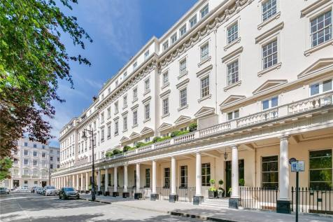 Eaton Square, Belgravia, SW1W. 5 bedroom flat for sale