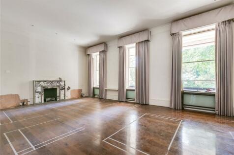 Eaton Square, Belgravia, SW1W. 5 bedroom flat