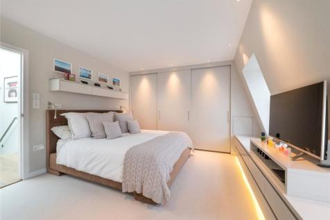 Pindock Mews, Little Venice, London, W9. 4 bedroom mews house