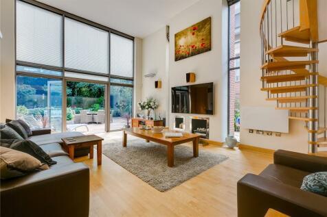 Paddock Way, London, SW15. 5 bedroom house for sale