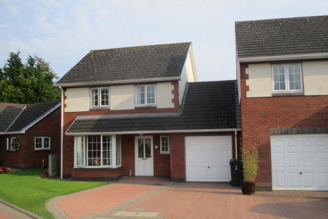 Harraby Gardens, CARLISLE. 3 bedroom link detached house