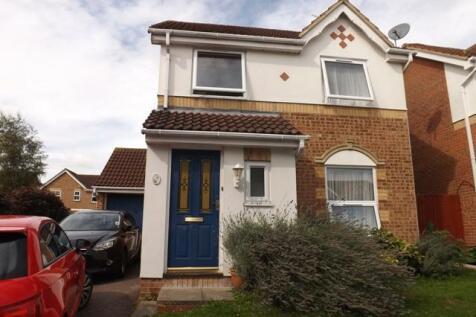 Roberts Close, Cheshunt, EN8. 3 bedroom house