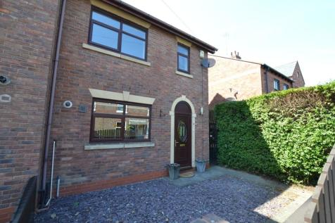 Hawthorn Street, Wilmslow, SK9. 3 bedroom end of terrace house