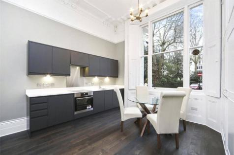 Kensington Gardens Square, Bayswater, W2. 1 bedroom flat