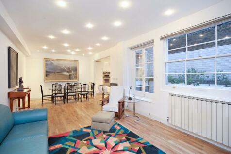 Ledbury Road, London, W11. 3 bedroom maisonette